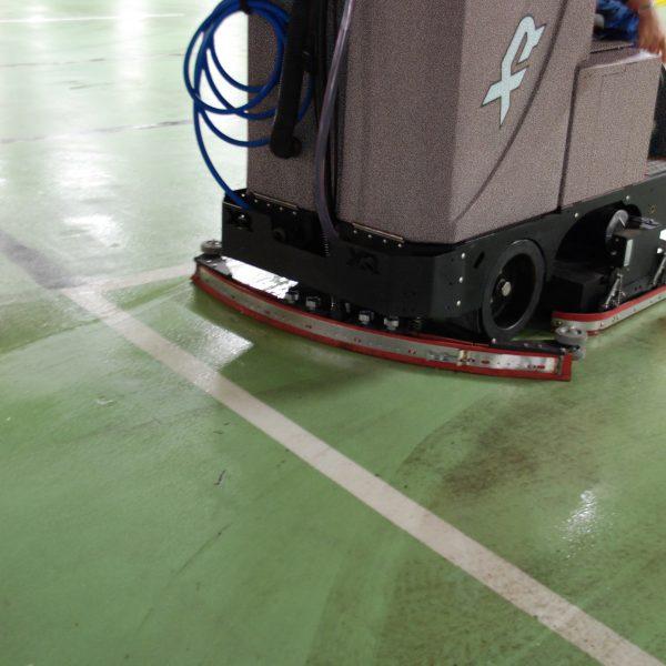 Tomcat XR Floor Scrubber Dryer