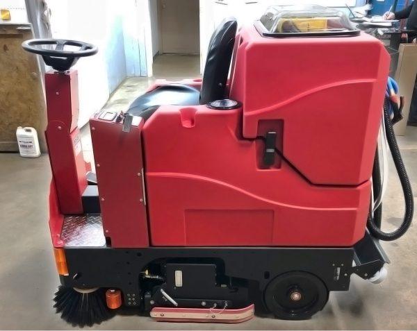 Factory Cat GTR Rider Scrubber