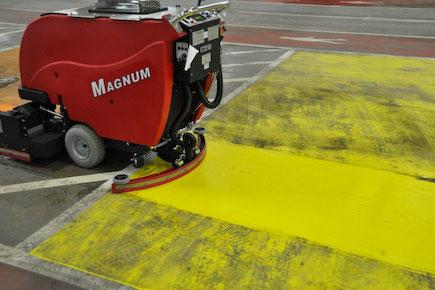magnum-floor-scrubber-01
